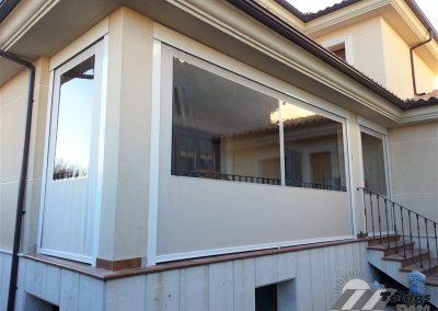 toldo vertical con ventana de talco