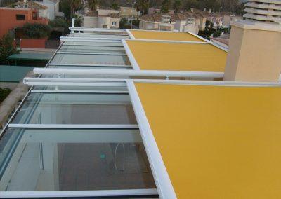 toldo veranda amarillo techo casa
